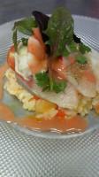 お米と魚貝のサラダ仕立て フルーツトマトのガスパッチョソース